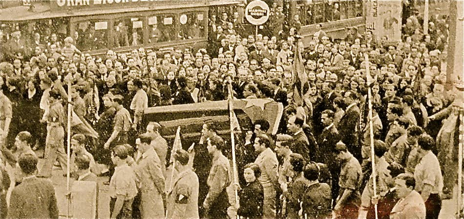 L'enterrament multitudinari dels germans Badia a Barcelona l'abril de 1936.